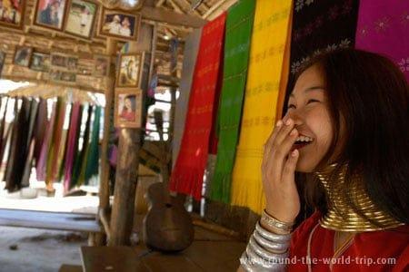 Moteris-žirafa, Tailandas