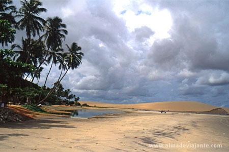 Praia de Jericoacoara praticamente deserta (inverno), Ceará, nordeste do Brasil