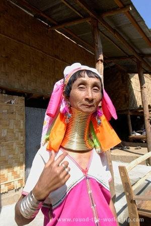 A espiral mais longa da aldeia de Ban Nai Soi, Tailândia