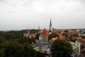 Vista sobre a cidade velha de Tallinn, Estónia