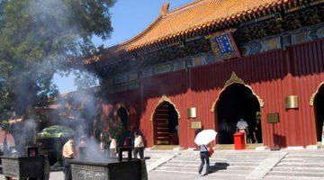 Reykelsi Burning á Lama Temple, Peking