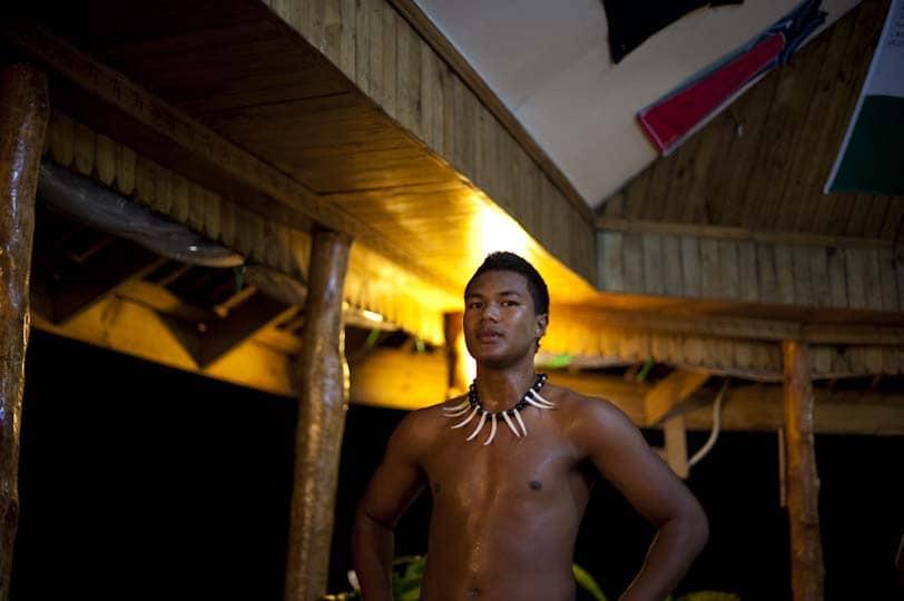 Polynesian dansar sýna