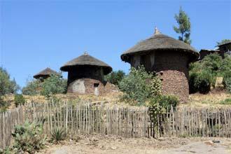 Nepaisant palaidotų bažnyčių, Lalibela yra nedidelis kaimas