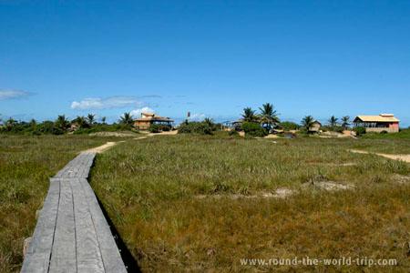 Bares da praia de Itaúnas, litoral norte do Espírito Santo