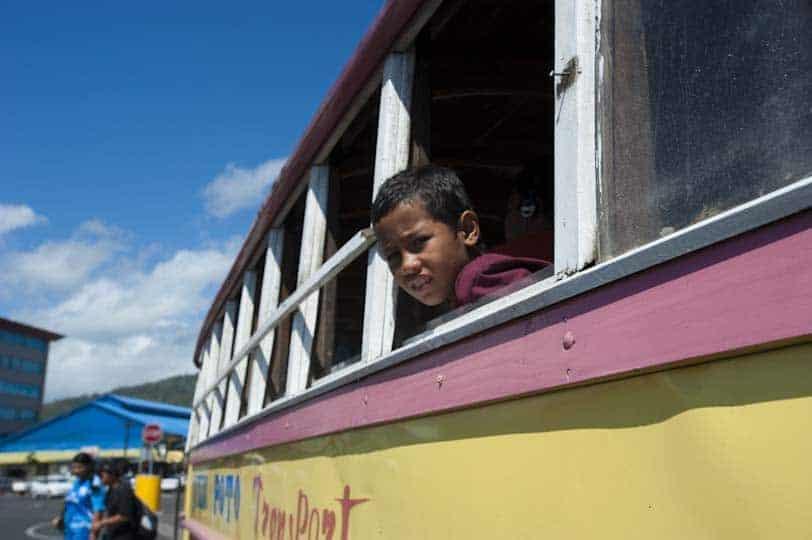 Parada d'autobús cap a Apia, Samoa