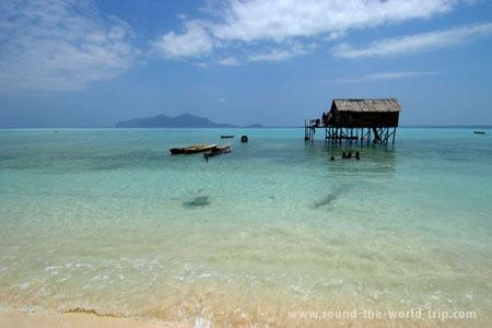 Ilhota ao largo de Semporna, Bornéu