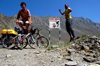 Aviso de minas no Tajiquistão