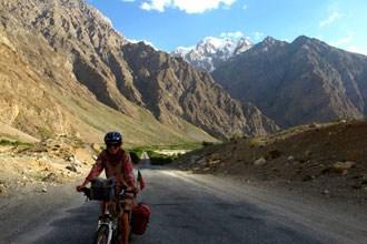 De bicicleta no Tajiquistão