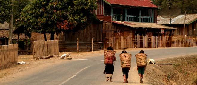 No Laos, N13 acima