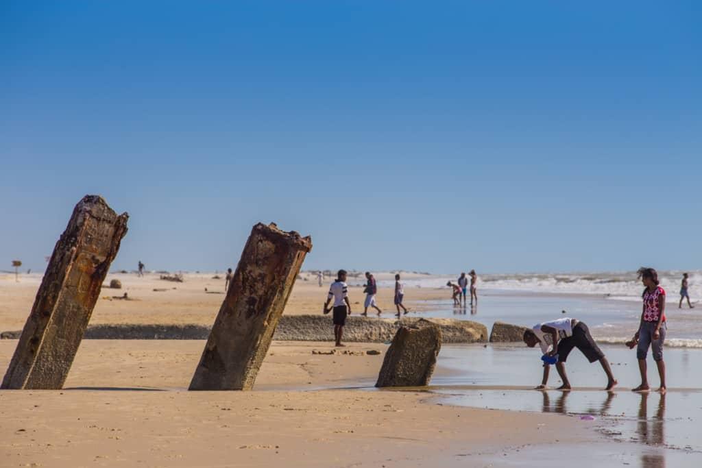 A praia em Morondava e o Canal de Moçambique