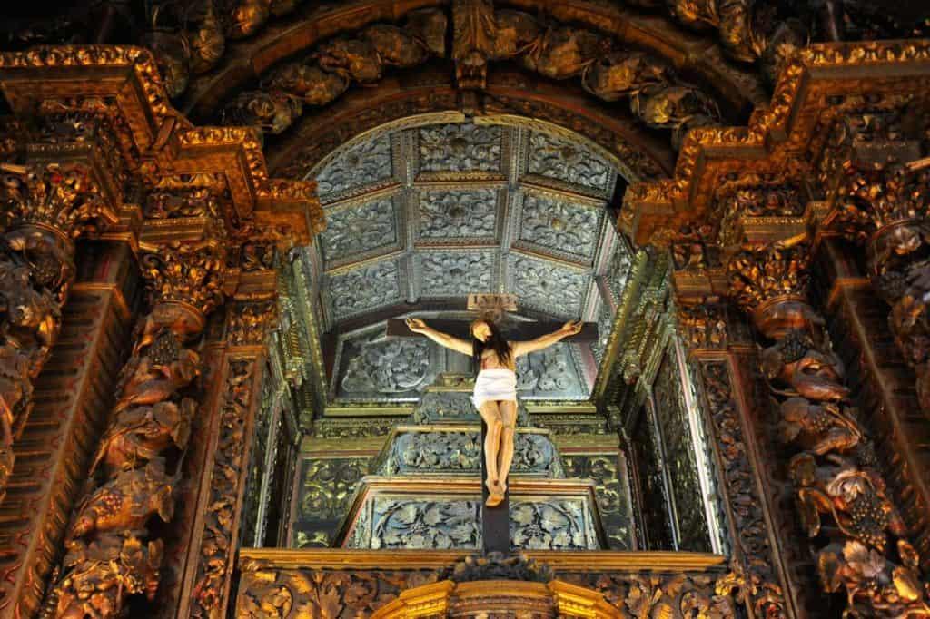 Visitar Igreja da Misericórdia de Chaves: altar-mor