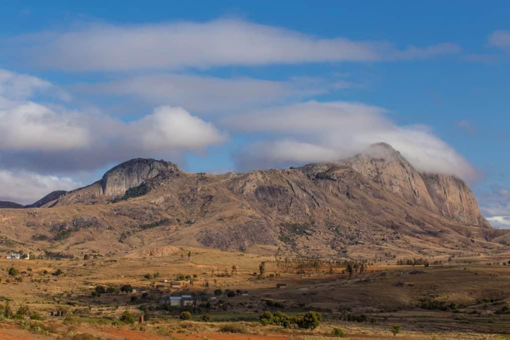 Montanhas perto de Anja