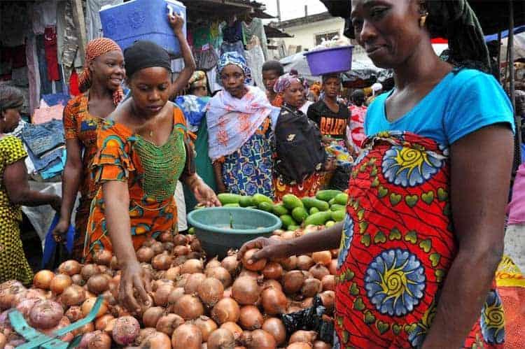 Mercado de Abobo, em Abidjan