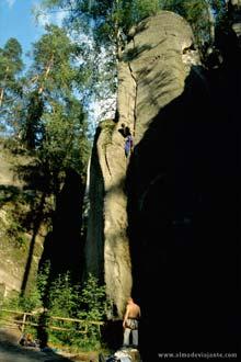 Escalada na Reserva Natural de Teplice-Adrspach, República Checa