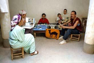 Família berbere de Ait-Benhaddou, Marrocos