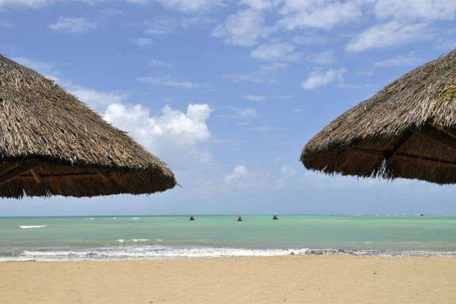 Praia de Japaratinga, litoral norte de Alagoas