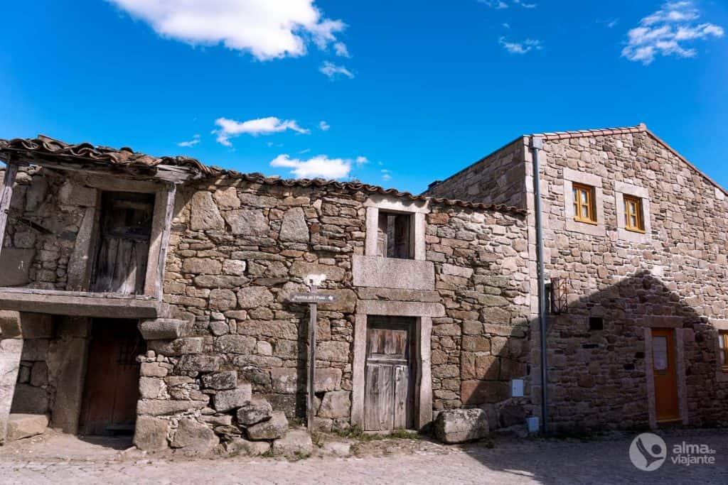 Casas de pedra em Picote