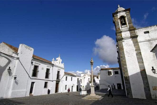 Praça central de Monsaraz
