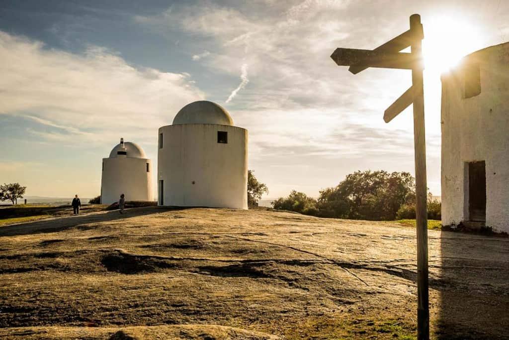 O que fazer em Évora: visitar Moinhos Alto de São Bento