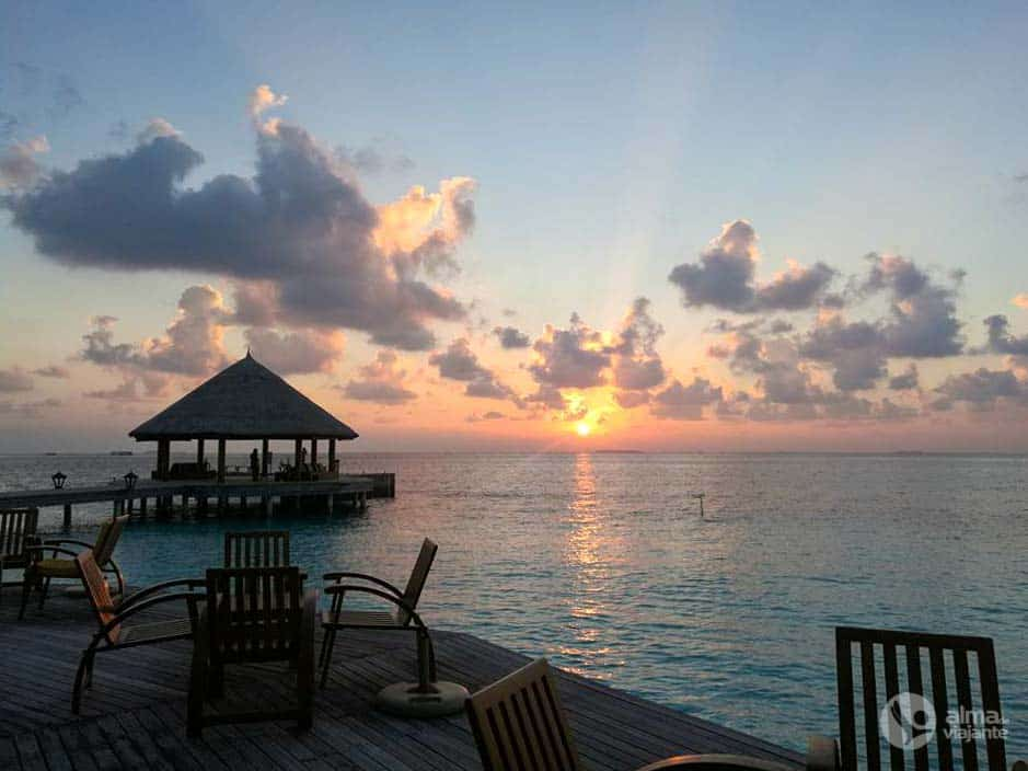 Por do sol nas ilhas Maldivas