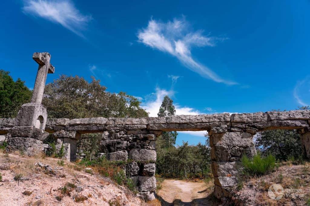O que fazer em Castro Laboreiro: visitar Aqueduto de Pontes
