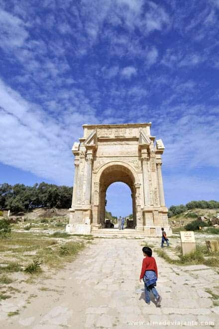 Entrada principal de Leptis Magna, Líbia