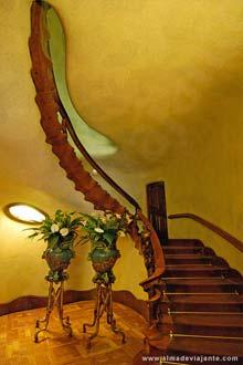 Viagens Barcelona - Escadaria principal à entrada da Casa Battló