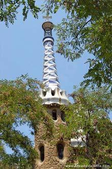 Parque Güell, uma das mais emblemáticas obras de Gaudí em Barcelona