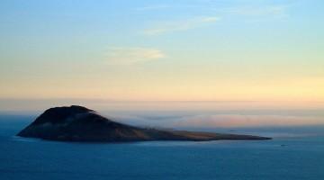 Bardsey: Ir morar para uma ilha (quase) deserta e ser pago por isso