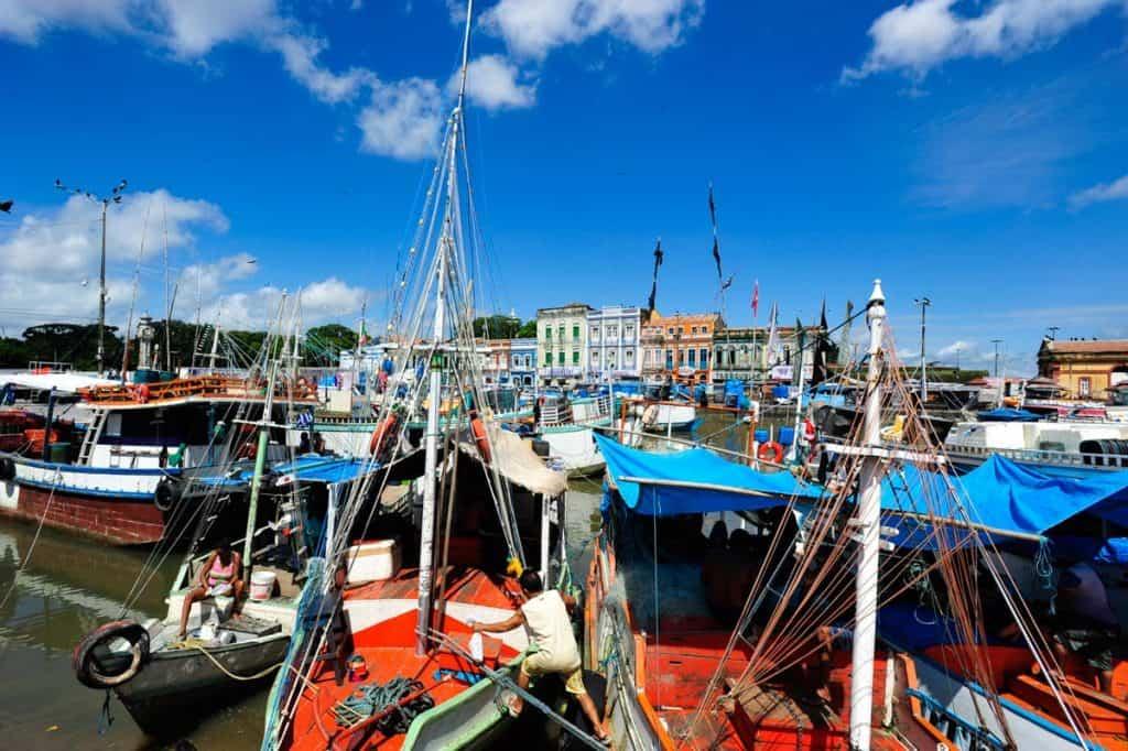 Barcos de pesca em Belém do Pará