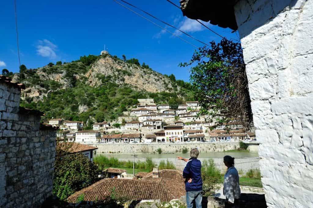 Mangalem visto de Gornica, Berat