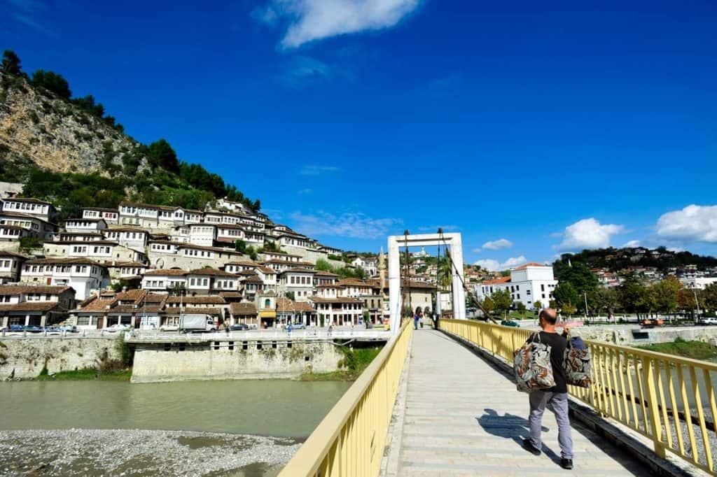 Ponte sobre o rio Osum, Berat