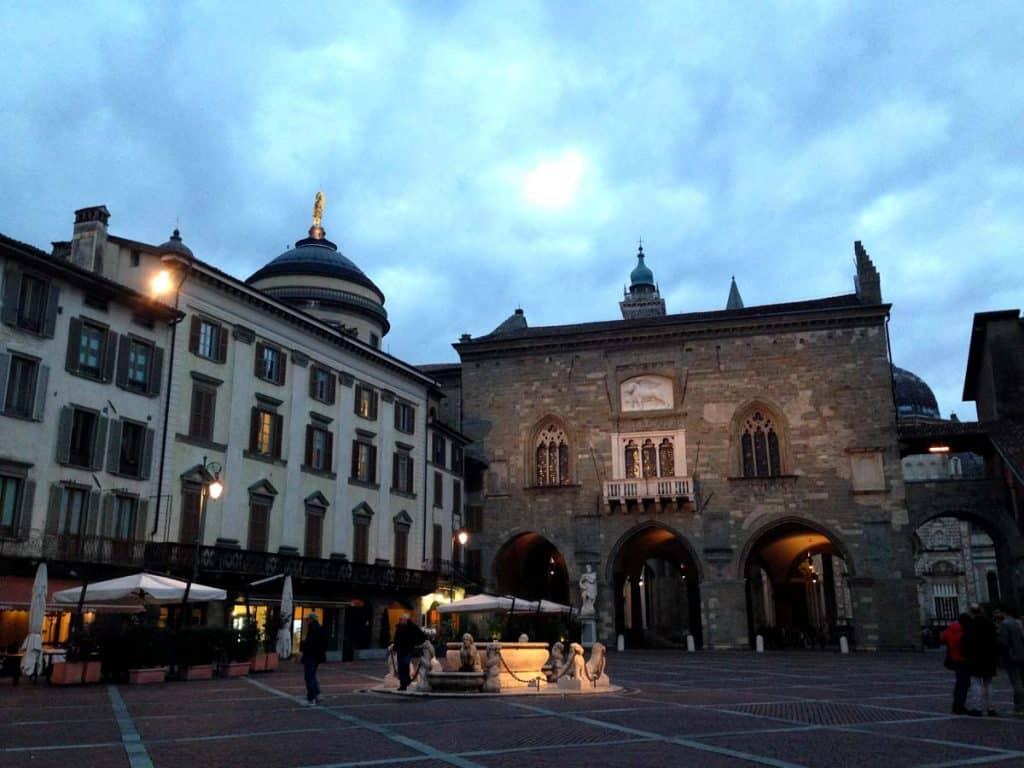 Visitar Bérgamo: Piazza Vecchia