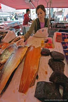 Mercado de peixe em Bergen, Noruega