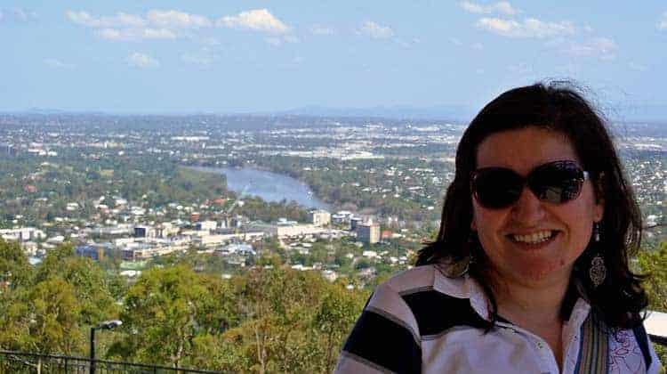 Helena Alemão no Mt Coot-tha lookout, Brisbane