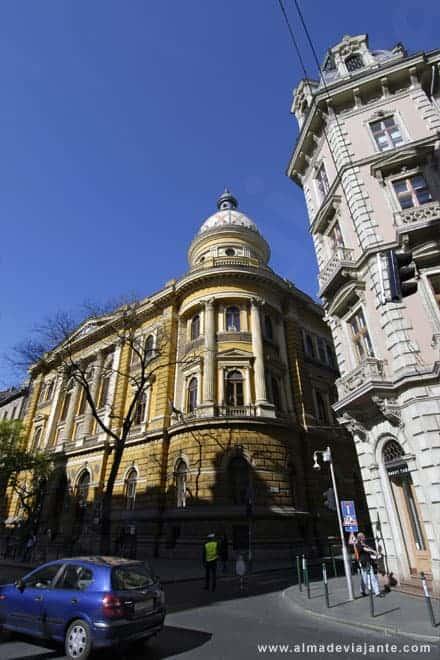 Budapeste é uma cidade monumental...