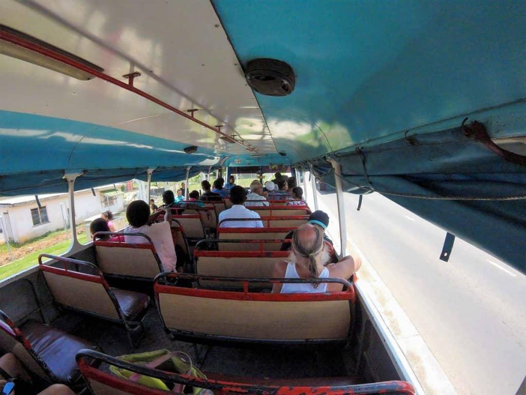 Viver nas Fiji: autocarro local