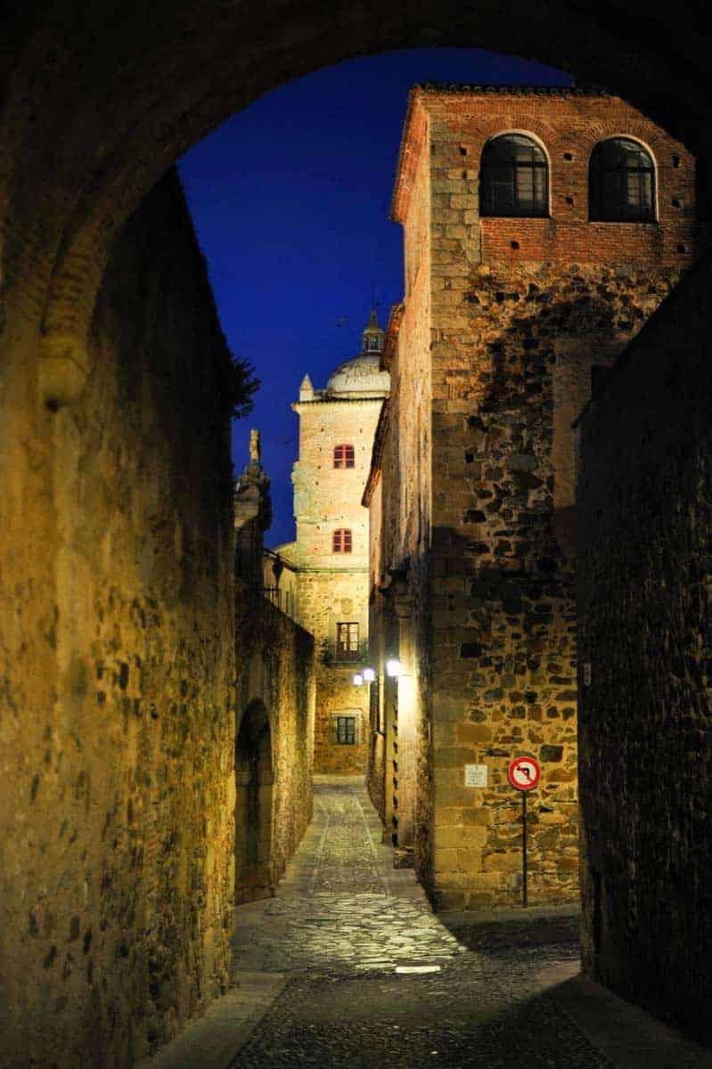 Calle Adarve de la Estrella, Cáceres