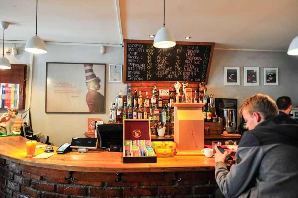 Melhores cafés de Pristina: Dit-e-nat
