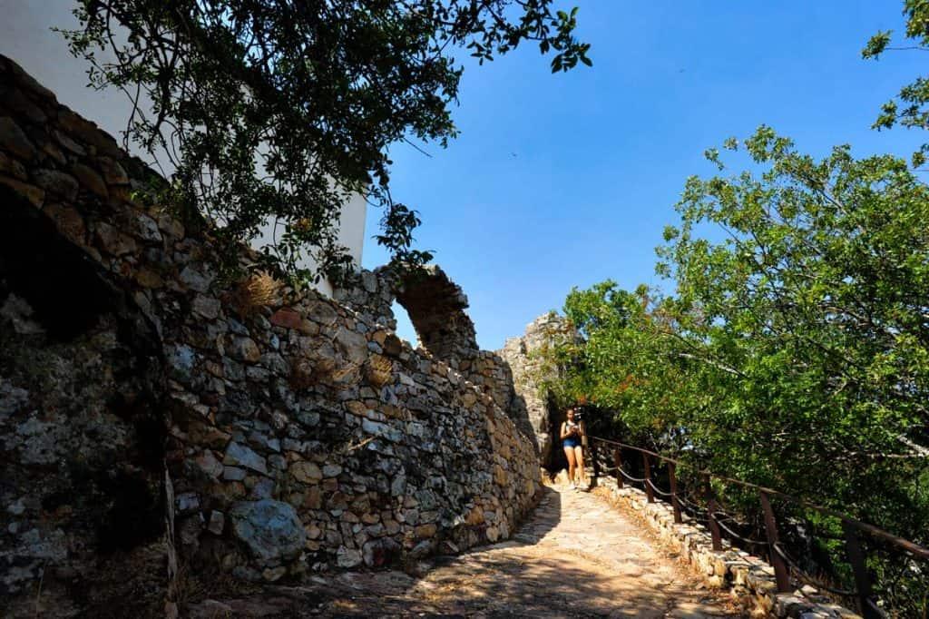 Accesso al castello di Monfrague