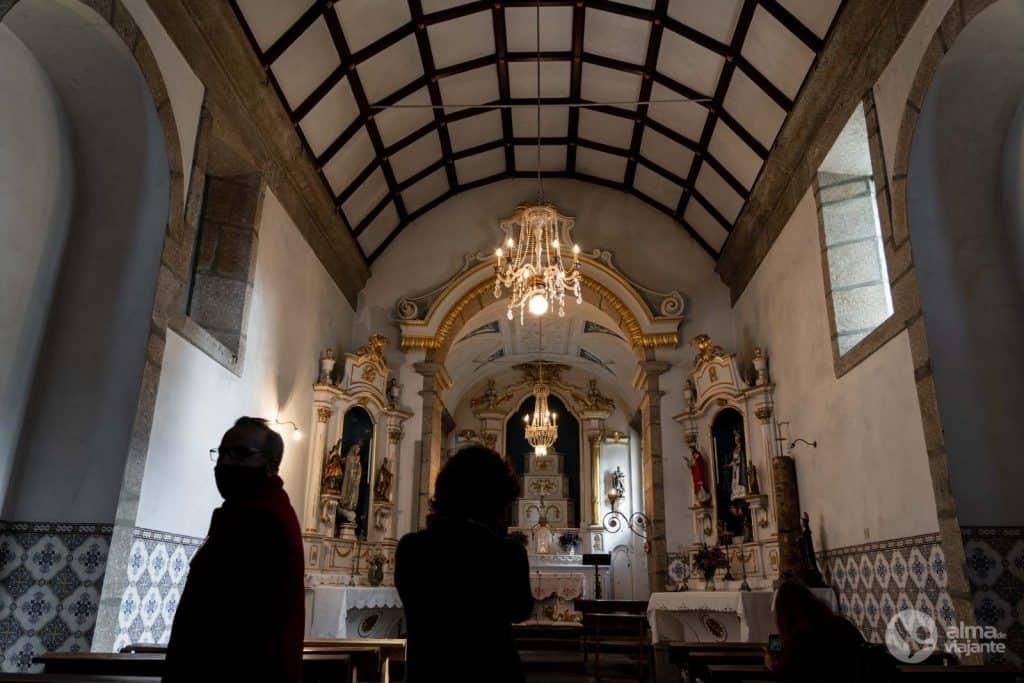 Capela de Nossa Senhora dos Chãos em Bitarães, Paredes