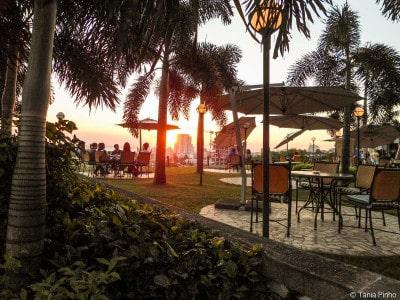 Pôr-do-sol no Cardoso, Maputo