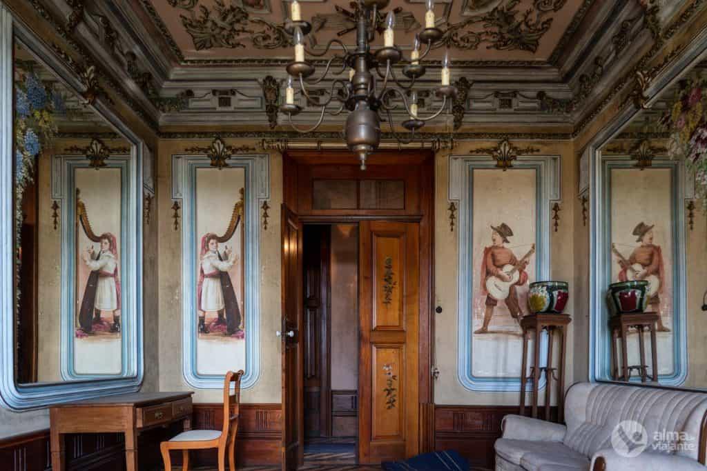 Sala de Música da Casa da Castrália, Paredes