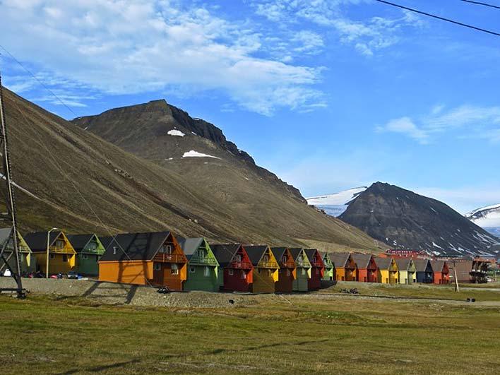 Vista de Longyearbyen no verão