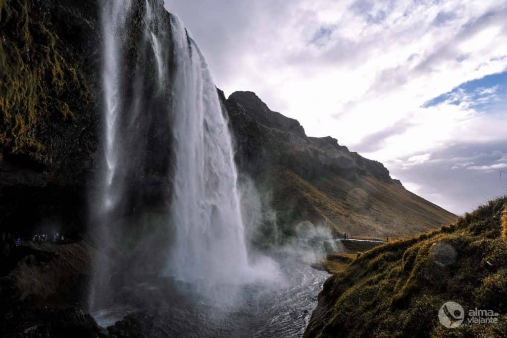 Handrit Ísland: Seljalandsfoss
