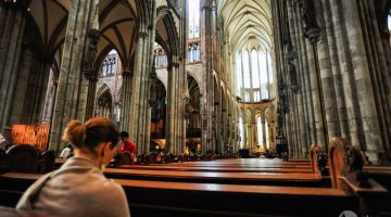 What to do in Cologne: visit the cathedral