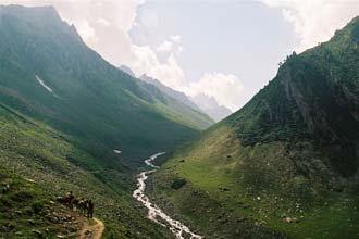 Início da caminhada através dos Himalaias