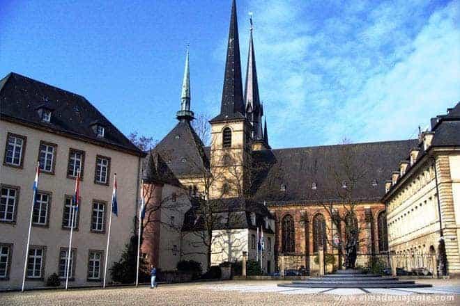 Hôtel de Bourgogne e catedral de Nossa Senhora, Luxemburgo