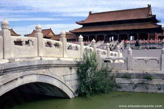 Ponte de mármore branco na Cidade Proibida