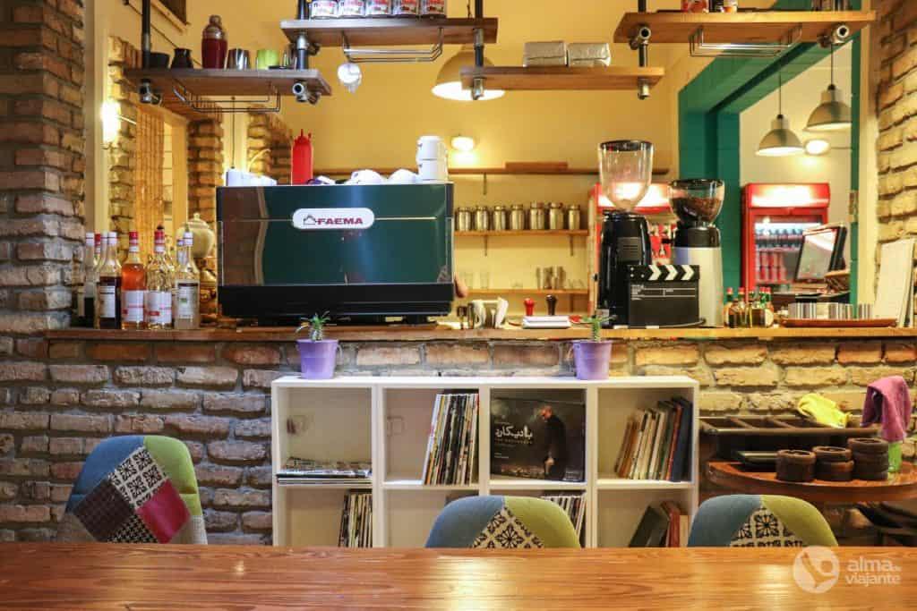 UpArtMaan Café, Teerão
